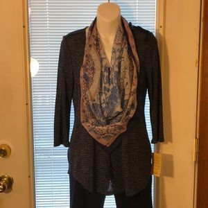 Energe Top with Scarf.  Small.. NWT